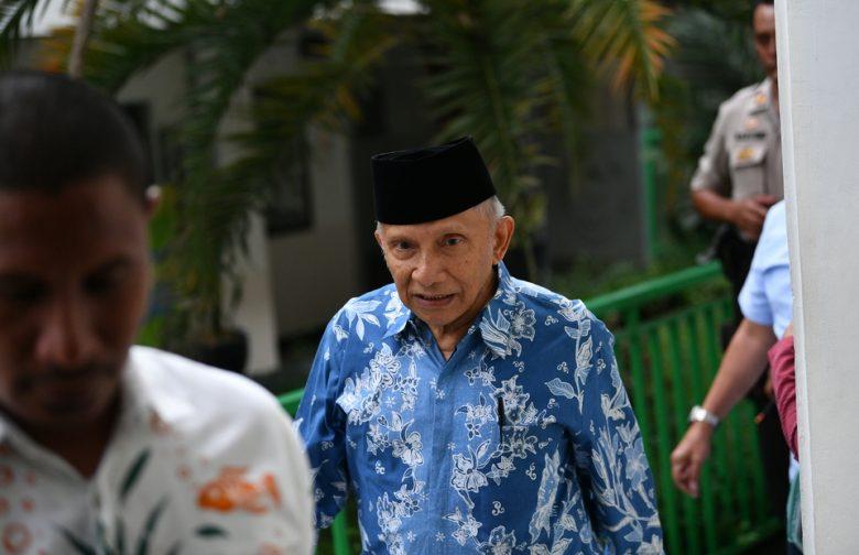 Photo of Perbedaan Sikap Amien Rais Sesudah Dan Sebelum Prabowo Bertemu Dengan Jokowi