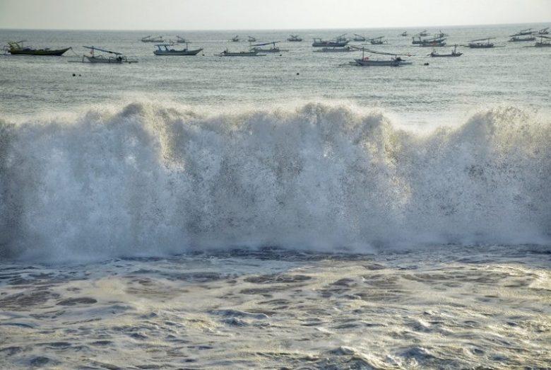 BMKG Mengeluarkan Peringatan Dini Untuk Peringatkan Hujan Petir Dan Gelombang Tinggi Di Beberapa Wilayah 4