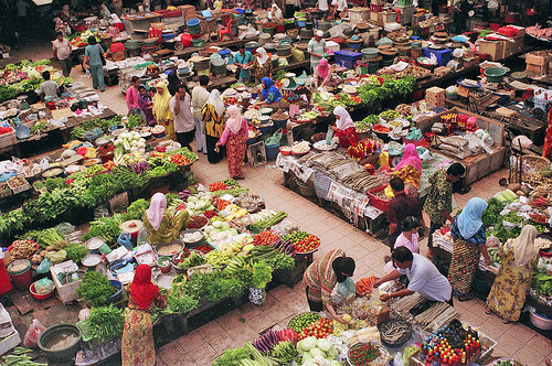 Transaksi Pasar Tradisional Seperti Tradisi Tawar Menawar Mulai Ditinggalkan Pembeli 1