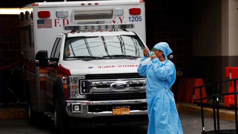 Photo of Ketika kasus muncul, 3 dari 4 rumah sakit AS sudah menghadapi COVID-19